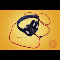 Beats by Dr.Dre (emreyaran) Tags: yellow photography earphone headphone beats canon1740 advertisingphoto canoneos7d beatsbydrdre emreyaran solohd monsterbeatsbydrdresolohd