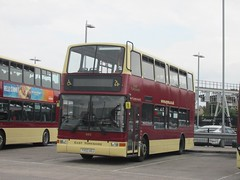 East Yorkshire 683 YX53AOJ Hull Interchange (1280x960) (dearingbuspix) Tags: eastyorkshire eyms yx53aoj 683