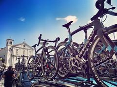 Giro d'Italia (Cristina Birri) Tags: palmanova udine friuli piazza grande giroditalia macchina duomo