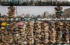 Sellos de amor (rockdrigomunoz) Tags: candados amor colores calle