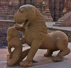 INDIA - Khajuraho Group of Monuments is a group of about 20  Hindu and Jain temples, reliefs and sculptures,  14228/7095 (roba66) Tags: indienkhajurahotempel indien indiennord asien asia india inde northernindia urlaub reisen travel explore voyages visit tourism roba66 city capital stadt cityscape building architektur architecture arquitetura monument bau fassade faade platz places historie history historic historical geschichte tradition culture kultur kulturdenkmal skulptur sculpture reliefs relief antik antic rustic ruine ruins ausgrabungen archologie archaelogy madhya pradesh tempel tempelanlage temple hinduism jainism