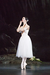 Akane Takada as Giselle in Giselle, The Royal Ballet  2016 ROH. Photograph by Tristram Kenton (Royal Opera House Covent Garden) Tags: actionshot akanetakada theroyalballet giselle production productionphoto bypeterwright