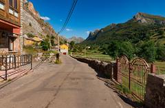 Valle de Lago (happy.apple) Tags: valledelago principadodeasturias spain es village road somiedo summer