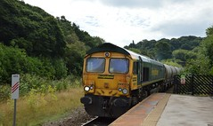 66619 passing through Dore station with the 6E08 Earles Sidings to West Burton p.s. 1st Sept 2016. (Dave Wragg) Tags: 66619 class66 freightliner 6e08 dore loco locomotive railway