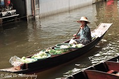 Damnoen Saduak Floating Market (SleekViv) Tags: river thailand nikon floatingmarket d90