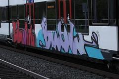 SBB GTW Gelenktriebwagen 522 207 mit Graffiti bei Mumpf im Kanton Aargau in der Schweiz (chrchr_75) Tags: oktober train de tren schweiz switzerland suisse swiss herbst eisenbahn railway zug 1210 locomotive christoph svizzera chemin centralstation fer 2012 locomotora tog juna lokomotive lok ferrovia spoorweg suissa locomotiva lokomotiv ferroviaria  locomotief chrigu  rautatie  zoug trainen  chrchr hurni chrchr75 chriguhurni oktober2012 albumbahnenderschweiz2012712 chriguhurnibluemailch albumzzz201210oktober