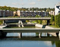 puente y compuerta