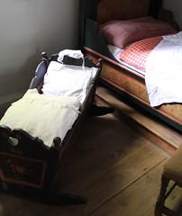 (:Linda:) Tags: museum germany town bed thuringia rudolstadt eiderdown cradle featherbed federbett