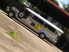2012-06-09, SaraoCraft Saturday 075 (saraocraft) Tags: jeepney saraocraft saraojeepney saraophilippines jeepneyjeepneypasig philippinejeepneymetlaartsculturepinoypinoy quiaposaraophilippine jeepneystainless