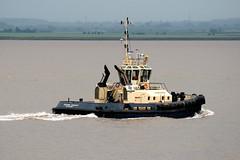 Tug - Svitzer Ferriby (Howard_Pulling) Tags: canon boat photo ship photos picture vessel tugboat tug hull shipping humber 2010 humberestuary svitzer 400d