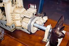 CU484 Massive Ship Engine Model (listentoreason) Tags: usa philadelphia america canon model unitedstates pennsylvania favorites places pennslanding scalemodel ef28135mmf3556isusm score25 independenceseaportmuseum philadelphiamaritimemuseum