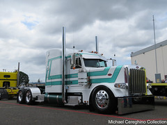 Henkles & McCoy Peterbilt 389 (Michael Cereghino (Avsfan118)) Tags: 2016 aths american historical truck trucking society henkles and mccoy peterbilt 389 sleeper semi national show convention pete model