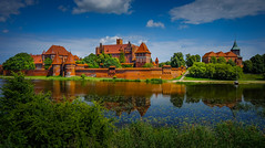 Malbork (TanzPanorama) Tags: castle malborkcastle teutonicknights travel tourism vacations holidays poland unesco ng river cityscape skyline europe malbork marienburg zamek heritage history sony sonya7ii ilce7m2 fe1635mmf4zaoss fe1635 zeiss eau