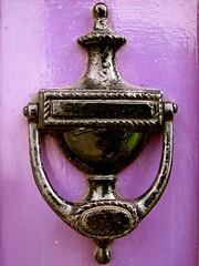 door knockers of Durham, UK (7) (Szymek S.) Tags: door knocker durham northumbria northeast england greatbritain unitedkingdom urn cottage