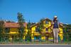 待 (小莊4) Tags: yellow house canon 500d sigma 1770 桃園 taoyuan taiwan 黃色小屋 wait photography street road