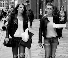 71-IMG_5477 Cake Time (marinbiker 1961) Tags: merchantcityfestival 2016 glasgow female girls candid jeans pals friends leatherjacket cakebox street blackandwhite monochrome outdoor