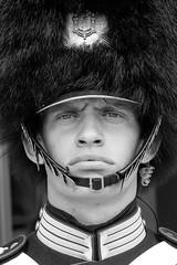 Garde Royale - Copenhague (Didier Ensarguex) Tags: canon 5dsr 2470 garderoyale palaisdamalienborg copenhague danemark didierensarguex