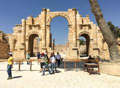 Hadrianus arch (Francisco Anzola) Tags: jordan middleeast city urban arabic jerash gerasa roman ruins stone archway architecture classical