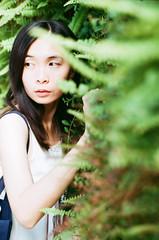 (Mr.Sai) Tags: rolleiflex sl35me rollei 50mm f18 hft qbm fuji 100 analog film     taiwan taipei girl portrait