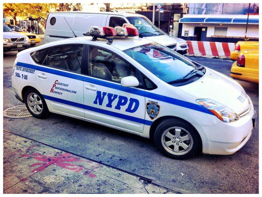 Toyota prius joins nypd police car force