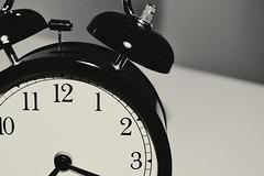 Tic Tac (Joo Cotovio) Tags: alarm clock numbers bedside relgio despertador nmeros joo pointers clockwise ponteiros cabeceira cotovio