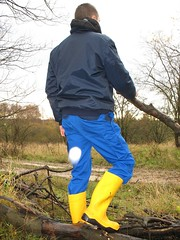 Yellow Dunlop Purofort+ and blue Mascot Torino pants (Noraboots1) Tags: work boots rubber wear wellies gummistiefel dunlop gummistvler purofort