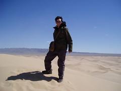 Gobi desert sand dune in Monglia (mbphillips) Tags: nomad mongolia モンゴル 몽골 蒙古 asia アジア 아시아 亚洲 亞洲 mbphillips canonixus400 geotagged photojournalism photojournalist