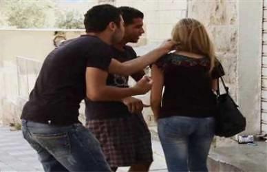 ظاهره التحرش :: هل نحن مع الشاب or الفتاه ؟!