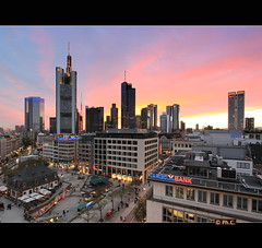 Mainhattan (Philippe2032 from Paris) Tags: germany europe cityscape frankfurt allemagne sunsettime urbanpanorama franckfort