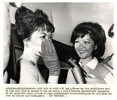 1963 Vietnam's Madame Nhu & Daughter Arriving in Boston - Bà Nhu và con gái đến Boston