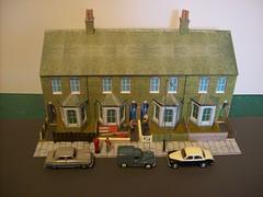 Terraced Houses Diorama (kingsway john) Tags: houses scale models card kit oo gauge diorama kingsway terraced 176