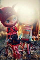 Let go of my hand, Sister... (rockymountainroz) Tags: neilyoung cwc febe ebl rbl takaratomy wingsinflight neoblythe cangaway vainilladollycustoms bicyclebuiltfortwominiature meimeibunnyhat