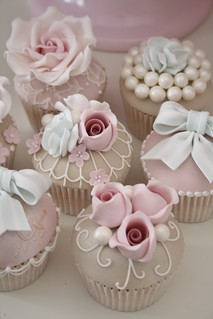 Luxury Vintage Cupcakes by Cotton and Crumbs