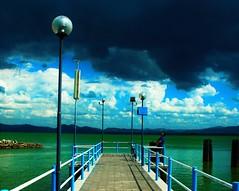 La quiete prima della tempesta (AstManu) Tags: quiete tempesta nuvole lago pioggia attesa