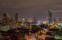 Bangkok by Night :) (www.mroosfotografie.nl) Tags: bangkok by night wwwmroosfotografienl view hotelroom nikon d610 ferris wheel light city life long road thailand holliday relax