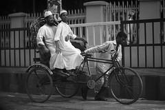 Friday Fashion (N A Y E E M) Tags: rickshaw moulana candid street navalavenue chittagong bangladesh carwindow