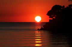Going . . . (craigsanders429) Tags: sunsetphotography sunsets sunset water lakeerie lakeerieinohio catawbaisland catawbaislandstatepark greatlakes lakes sunsetcolors red yellow orange