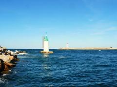 le vert et le rouge (Claudie K) Tags: port vent vagues portvendres tramontane mle claudiek