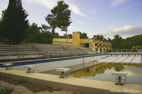 "La piscine dans la garrigue • <a style=""font-size:0.8em;"" href=""http://www.flickr.com/photos/60395175@N00/8103456748/"" target=""_blank"">View on Flickr</a>"