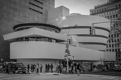 New-York, The Solomon Guggenheim Museum. (Jrme Cousin) Tags: new york city usa white newyork black building tower apple museum brooklyn america big nikon noir tour manhattan united guggenheim states nikkor et blanc solomon immeuble 18105 d5000