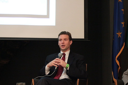 Alec Ross discusses Twitter and the State Department. Photo by Creative Commons