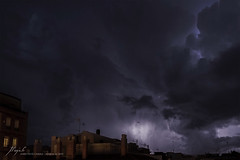 IMG_2636' (Jordi Pay Canals) Tags: jordi pay canals canon eos 450d efs 1585mm is usm catalonia badalona storm night lighting thunder clouds electricity dramatic sky city roof