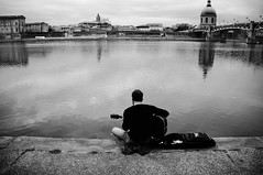 * (Chris JL) Tags: blackandwhite france river iso3200 candid 28mm streetphotography toulouse lagaronne guitarplayer delphine fujix100 chrisjl wclx100 hadbeenhappyhere