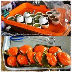 Nyonya Kuih Stall (J2Kfm) Tags: bw photography market streetfood ipoh perak pasirputeh
