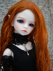 Cossette intro 1 (OctoberDolls) Tags: blue red ball hair eyes october doll vampire mind bjd fangs dim cossette jointed bellosse