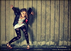 Rawrrr (Reografie) Tags: light urban woman cold girl leather wall concrete grid shoes raw leer ground heels beton steen verena botlek expressie sleehak strobist nibbie reografie