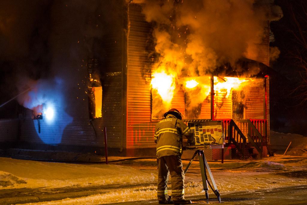 Chef des opérations incendie