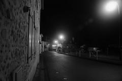 Rue de Lagor (Jo64150) Tags: blackandwhite white black pose long noir rue nuit blanc urbain exposures longue