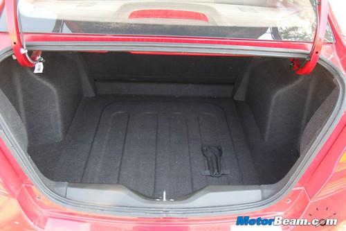 Chevrolet-Sail-Sedan-10