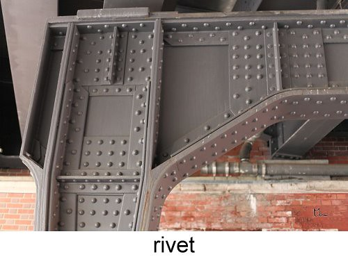 800px-Complex_Riveted_Joint_A103_379-5667.jpg